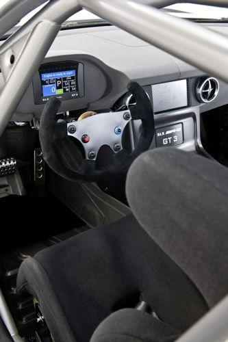 Mercedes-SLS GT3-02