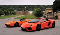 Lamborghini Aventador LP700-4 contra Ford GT 720 Mirage: ¡Feliz Día del padre!