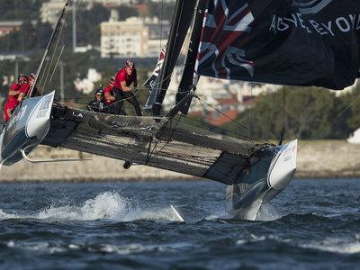 ¿Qué es el Extreme Sailing? Probamos la modalidad de navegación más emocionante