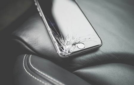 Apple dejará de calibrar las pantallas de los iPhone mediante hardware en sus reparaciones