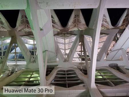 Huawei Mate 30 Pro Noche Auto 02