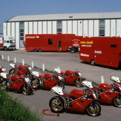 Foto 46 de 73 de la galería ducati-panigale-v4-25deg-anniversario-916 en Motorpasion Moto