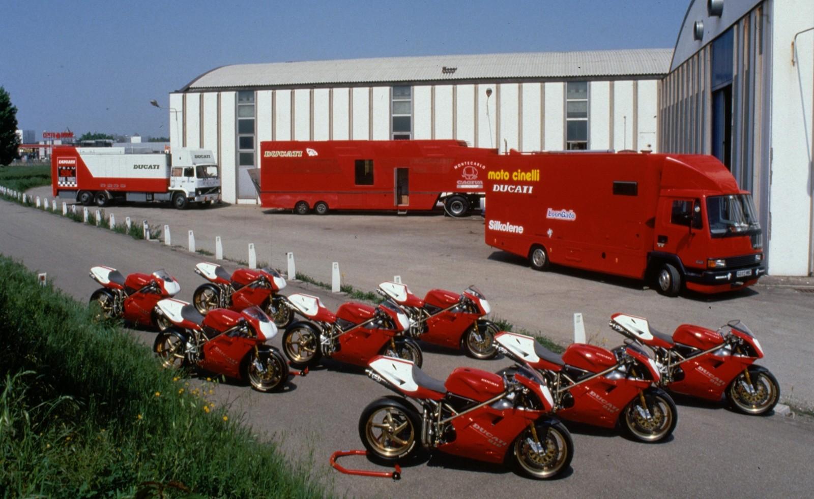 Foto de Ducati Panigale V4 25° Anniversario 916 (46/73)