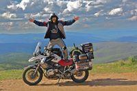 América en moto. Recuerdos de una vuelta al mundo. De Filipinas a Alaska.