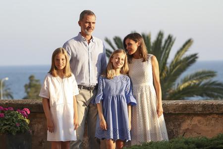 La familia Real nos presenta su posado estival en el Palacio de Almudaina
