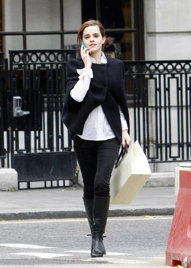 ¿Una capa de invierno? Emma Watson ya tiene la suya