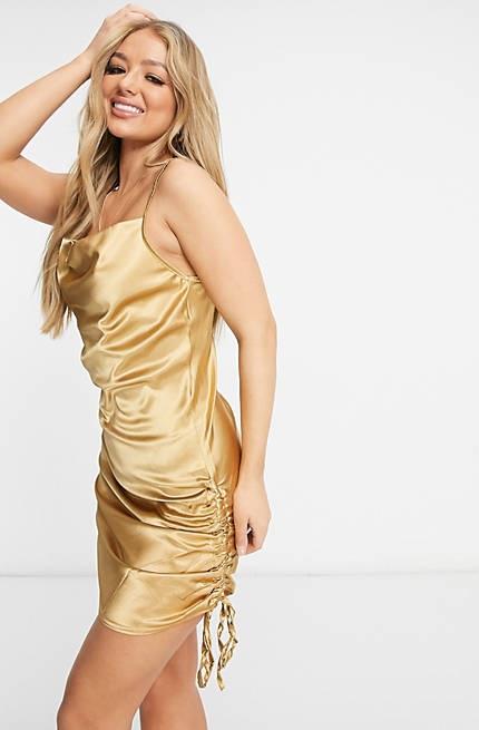 Vestido dorado satinado