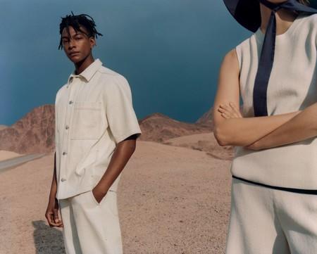 COS mira hacia un estilo sustentable con su colección hecha de algodón orgánico