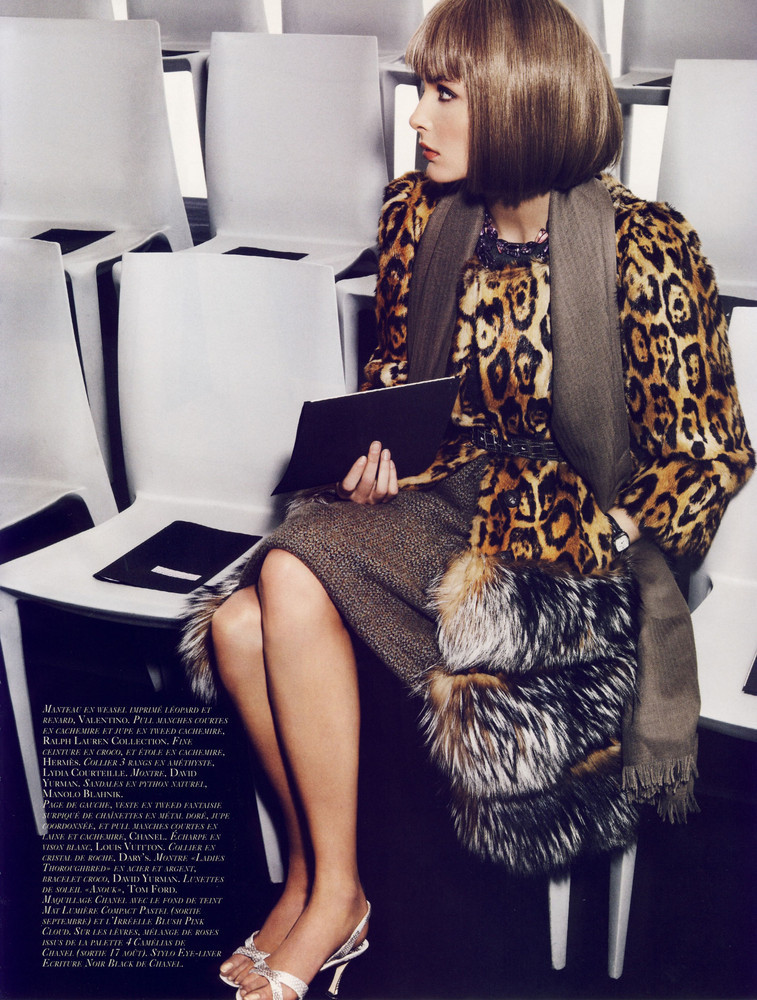 Foto de Snejana Onopka como Anna Wintour en la revista Vogue francesa (3/8)