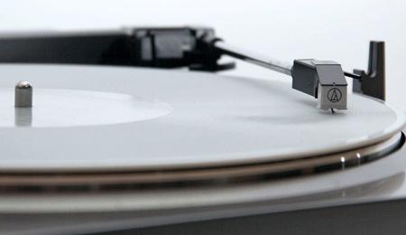 Logran crear discos de vinilo caseros mediante una impresora 3D