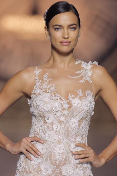 Irina Shayk protagonista de una noche de cuento en el desfile de Pronovias