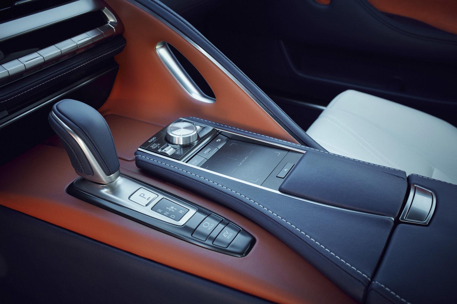 Foto de Lexus LC 500h (22/49)