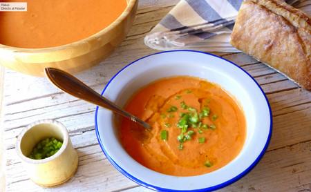 Gazpacho sin pepino (pero con mucho sabor), la receta que mantiene la textura del gazpacho sin usar este ingrediente
