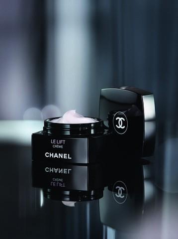 ¿Eres de las que piden todo a una crema? Yo sí, y he descubierto Le Lift de Chanel
