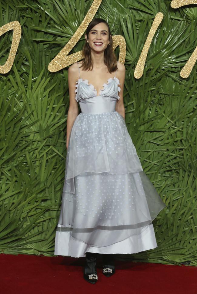 british fashion awards alfombra roja Alexa Chung
