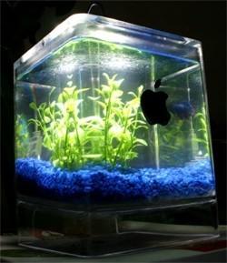 PowerMac G4 Cube convertido en un acuario