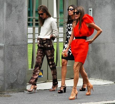 El estilo de las mujeres durante las Semanas de la Moda de hombre