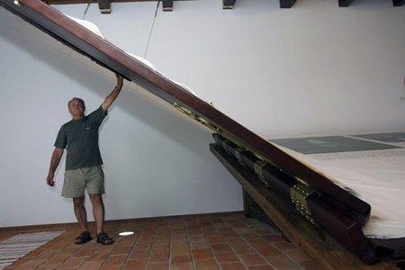 El libro más grande del mundo pesa 1.420 kilos