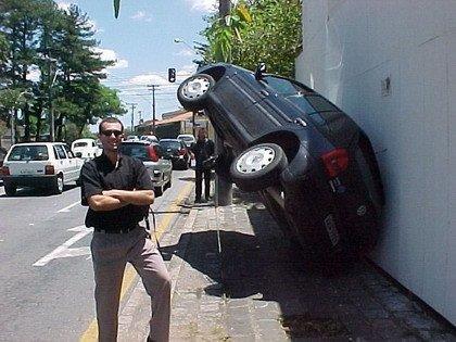 Volkswagen Touareg colgado