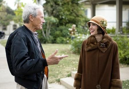 Jolie con Clint Eastwood en el rodaje de El Intercambio