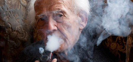 Zygmunt Bauman apagó sus ojos: adiós al filósofo de la Modernidad Líquida