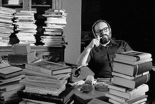 Umberto Eco reescribe 'El nombre de la rosa' para hacerla más accesible