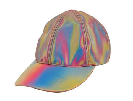 La gorra futurista de Regreso al Futuro