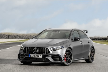 Mercedes-AMG A 45 4MATIC+, la versión más deportiva llega con dos potencias y emoción a raudales