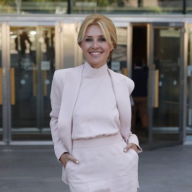 Cayetana Guillén Cuervo e Irene Escolar, dos estilos muy diferentes que triunfan por todo lo alto en los Premios de Cultura de la Comunidad de Madrid