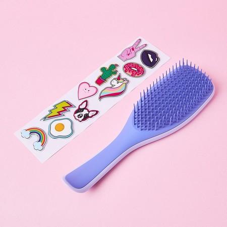 La versión customizable del cepillo antienredos y tirones Tangle Teezer es perfecta para el pelo mojado en verano