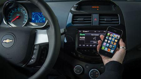 Chevrolet Spark y Aveo contarán con tecnología Siri muy pronto