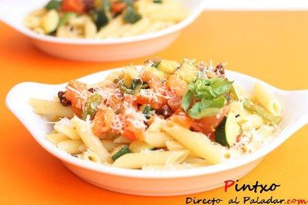 Penne Rigate con calabacín, pimientos y tomates. Receta