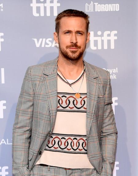 Ryan Gosling Nos Muestra Como Ir Confortables Y Elegantes Con Un Gran Atuendo Para Otono 2