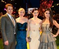 Las brujas del Mago de Oz no tienen nada de brujas: Michelle Williams, Rachel Weisz y Mila Kunis triunfan