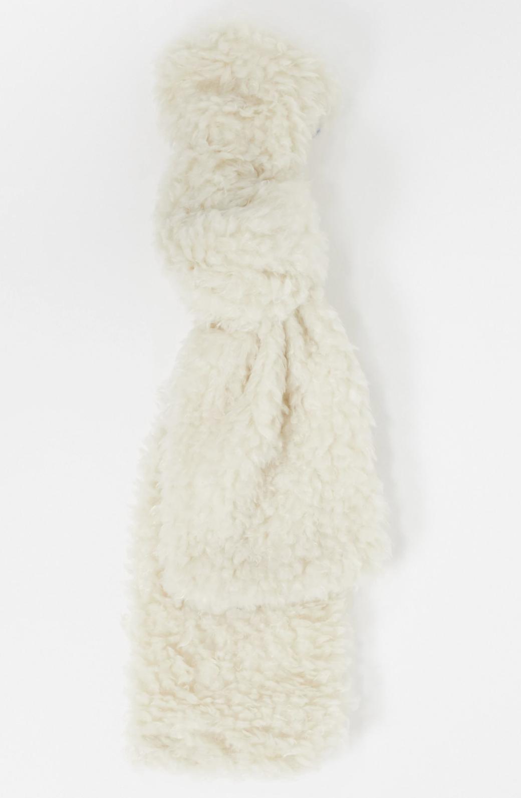 Bufanda extragrande color crema de borreguito de SVNX