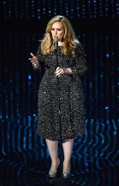 Adele confió en Burberry para subir al escenario de Los Oscar 2013
