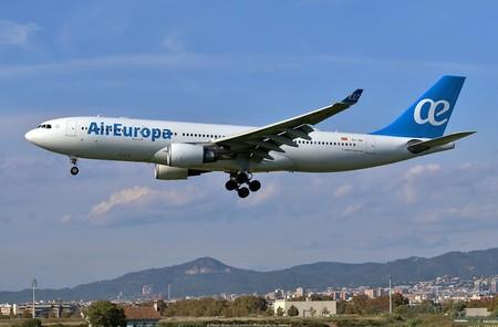 La compra de Air Europa por parte de Iberia creará un gigante español con serias dudas para la competencia