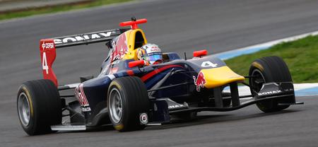 Carlos Sainz Jr, el más rápido en las primeras pruebas de la GP3 con el nuevo coche