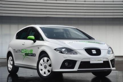SEAT muestra al gobierno su prototipo de coche eléctrico basado en el León