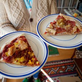 Probamos la nueva pizza barbacoa vegana de Telepizza (y la comparamos con la de toda la vida)