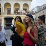 Desde Cuba con mucho estilo: Gisele Bündchen acapara miradas en el desfile de Chanel
