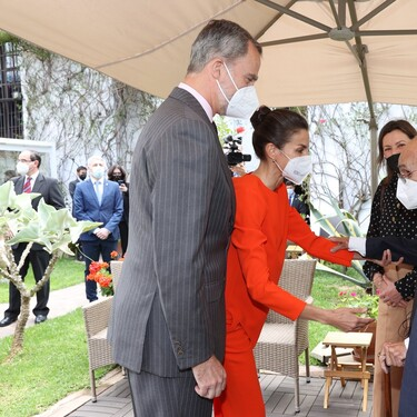 Doña Letizia triunfa con este lookazo de Zara