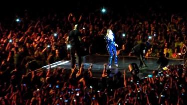 A este paso a Beyoncé me la descoyuntan en los conciertos