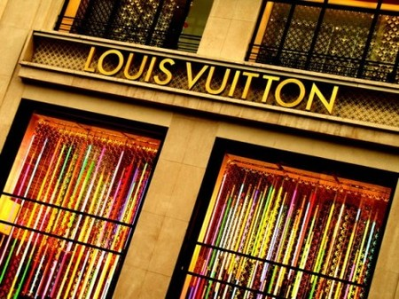 Obligan a la boutique LV de Champs-Elysées a cerrar en domingo