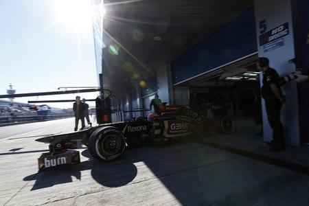 Lotus quiere retrasar la pretemporada: no llega a tiempo