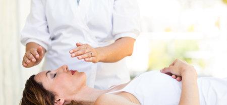 Nueve pseudoterapias que no sirven contra el cáncer (y que, además, son peligrosas)