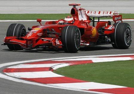 Kimi Raikkonen confía en luchar por la victoria