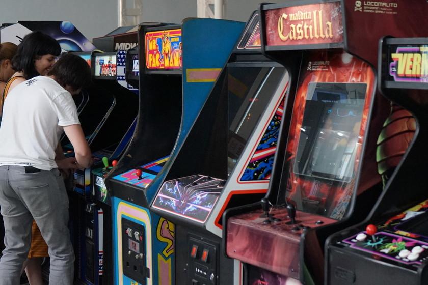 El Museo del videojuego Arcade de Ibi: la eterna juventud se consigue jugando con 300 máquinas arcade, pinball...