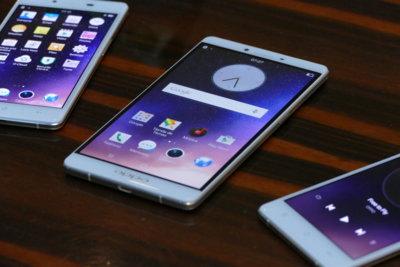 Oppo R7, toma de contacto con un gama media que lo apuesta todo al diseño
