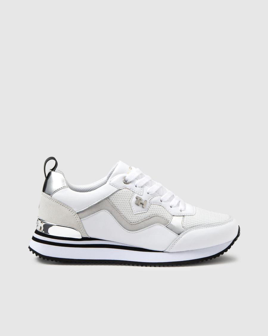 Zapatillas deportivas de mujer Tommy Hilfiger de color blanco con detalle plata